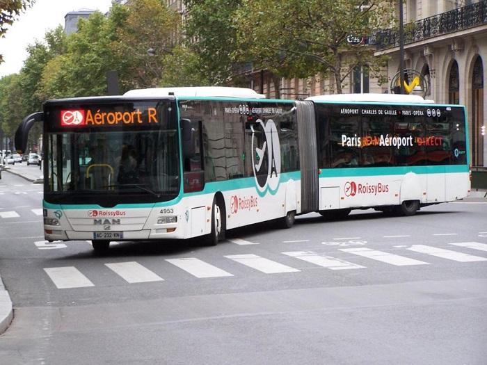 Автобус Roissybus в центр столицы Франции, курсирующий от аэровокзала Шарль де Голль