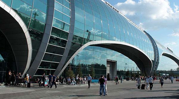 Аэропорт встречает и провожает пассажиров