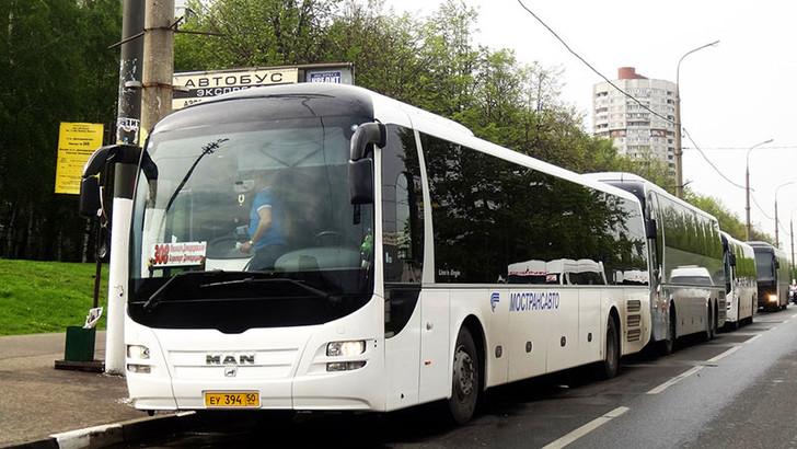 Добраться из Домодедово до метро можно на автобусе