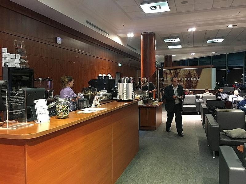 Интерьер бизнес-зала внутренних авиалиний