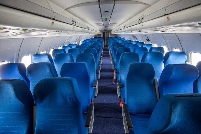 Кресла в пассажирском салоне лайнера Ту-154